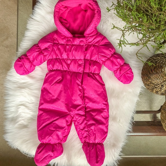 Rothschild Other - Adorable winter coveralls; 3-6M (might fit 6-9M)
